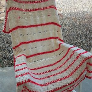 Granny Chic White and Hot Pink Throw Blanket